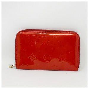 Authentic Louis Vuitton Vernis Around Wallet